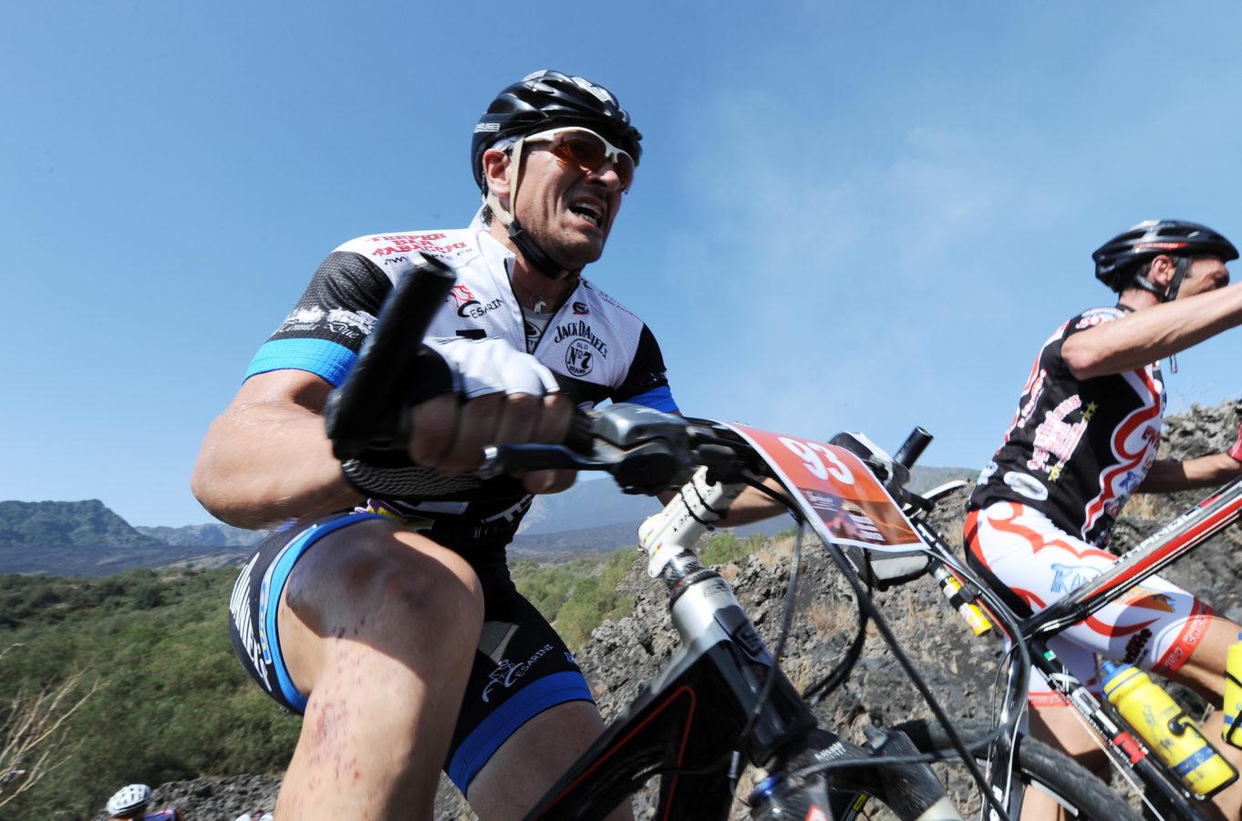 La vigilia dell'Etna Marathon si anima con l'Etna E-Bike Ride